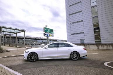 Vollautomatisiertes und fahrerloses Parken kommt an den Flughafen Stuttgart