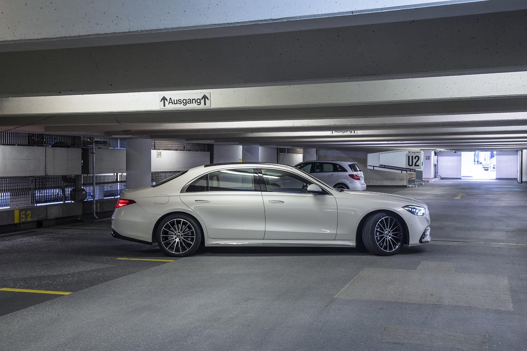 Intelligent parking garage infrastructure