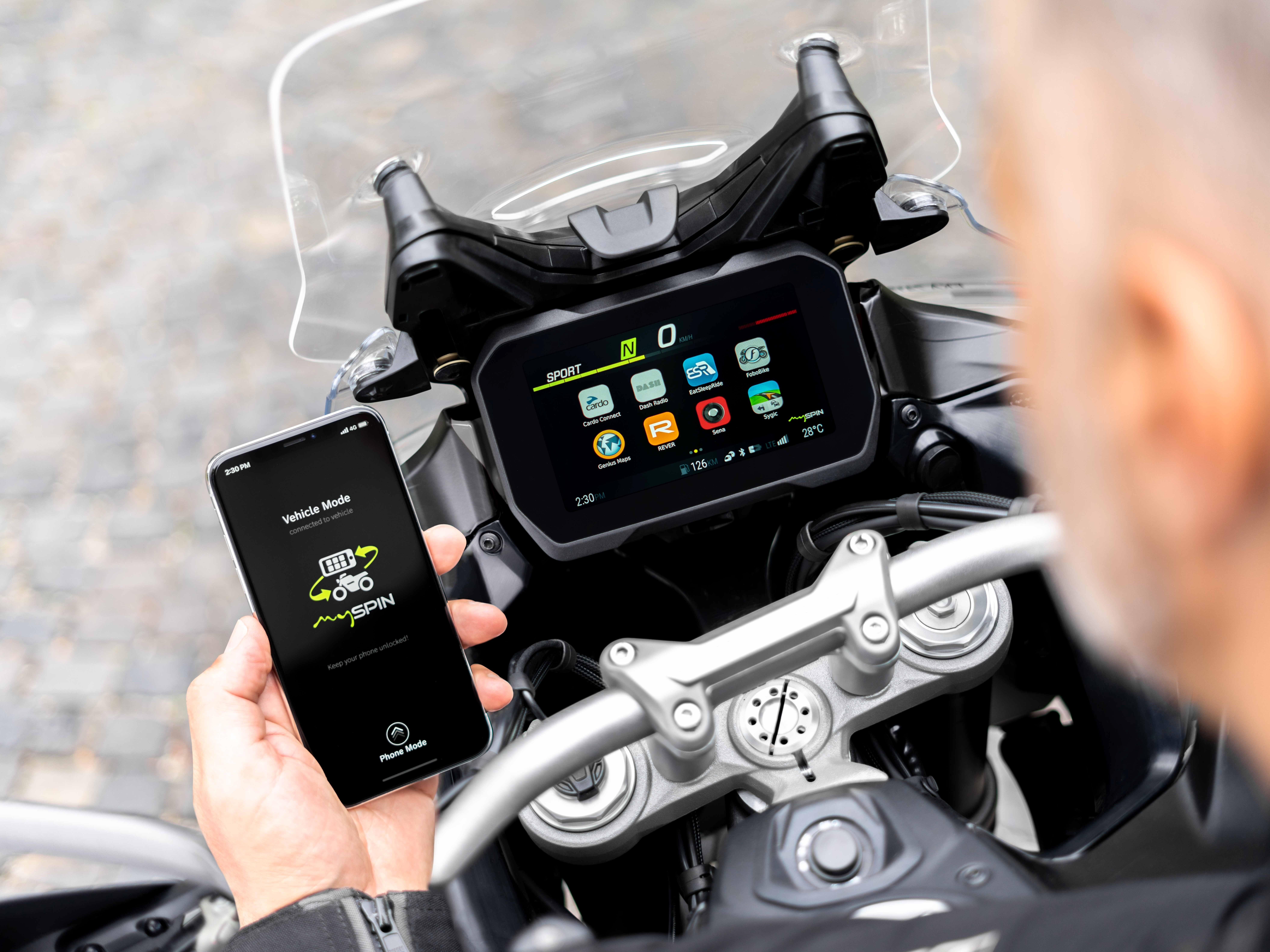 Smartphone integration solution mySPIN