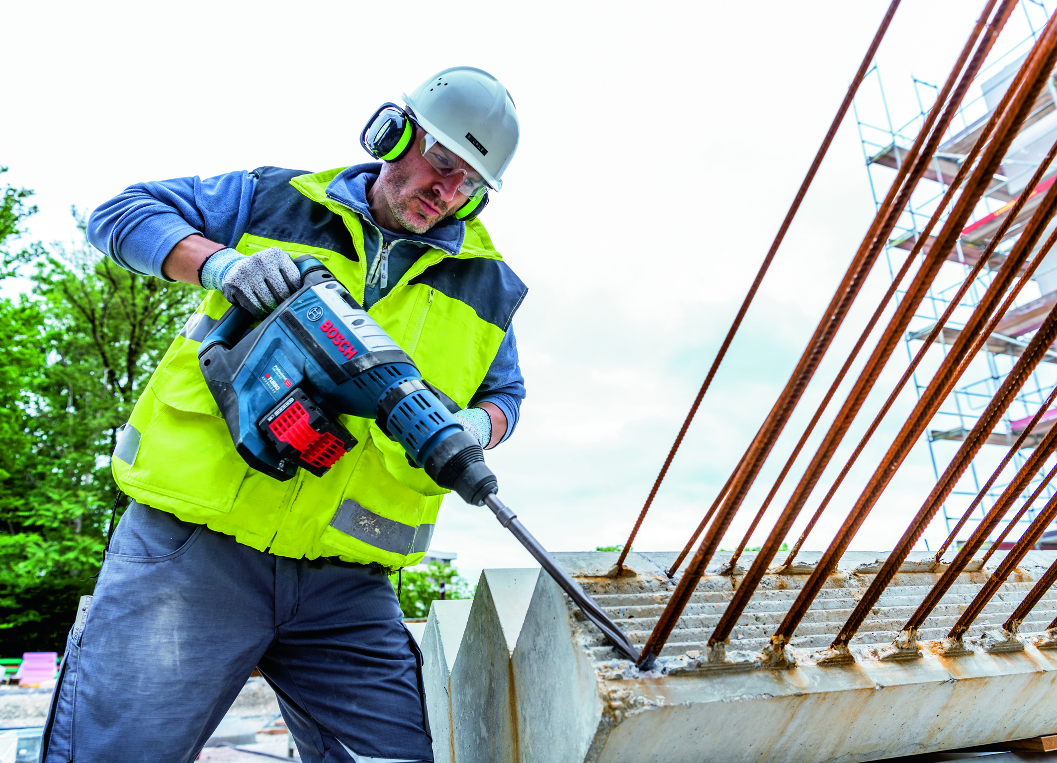 Cordless tools more powerful than ever before: GBH 18V-45 C Professional Biturbo hammer from Bosch for professionals