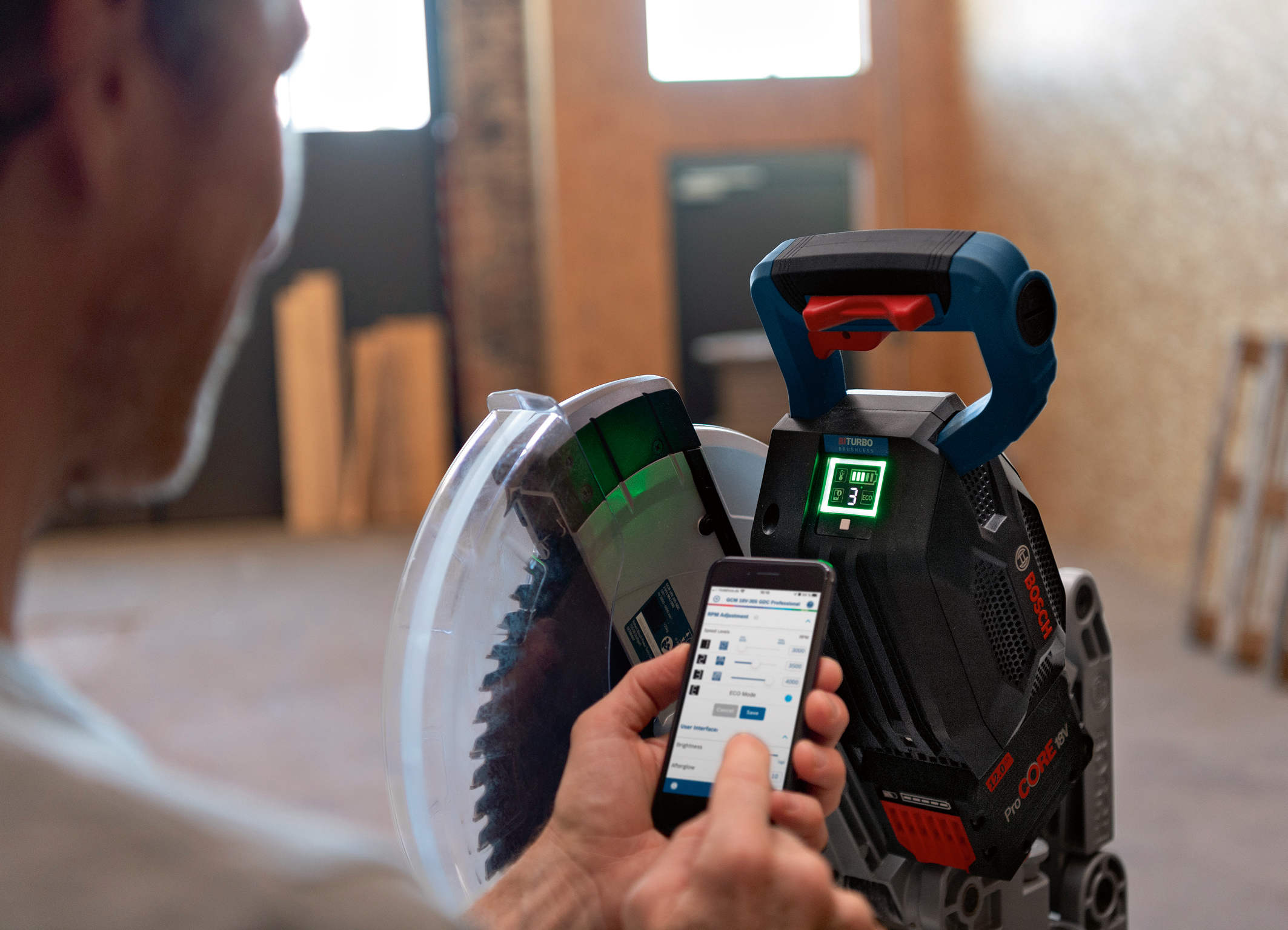 First cordless miter saw with an interactive display and connectivity: Biturbo miter saw from Bosch for professionals