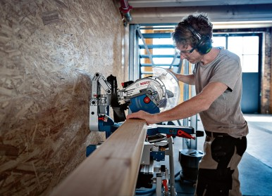 Highest convenience on the market: Biturbo miter saw from Bosch for professionals