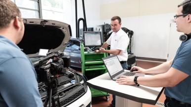 Bosch vermittelt technisches Know-how während Lockdowns - mit Online Trainings u ...