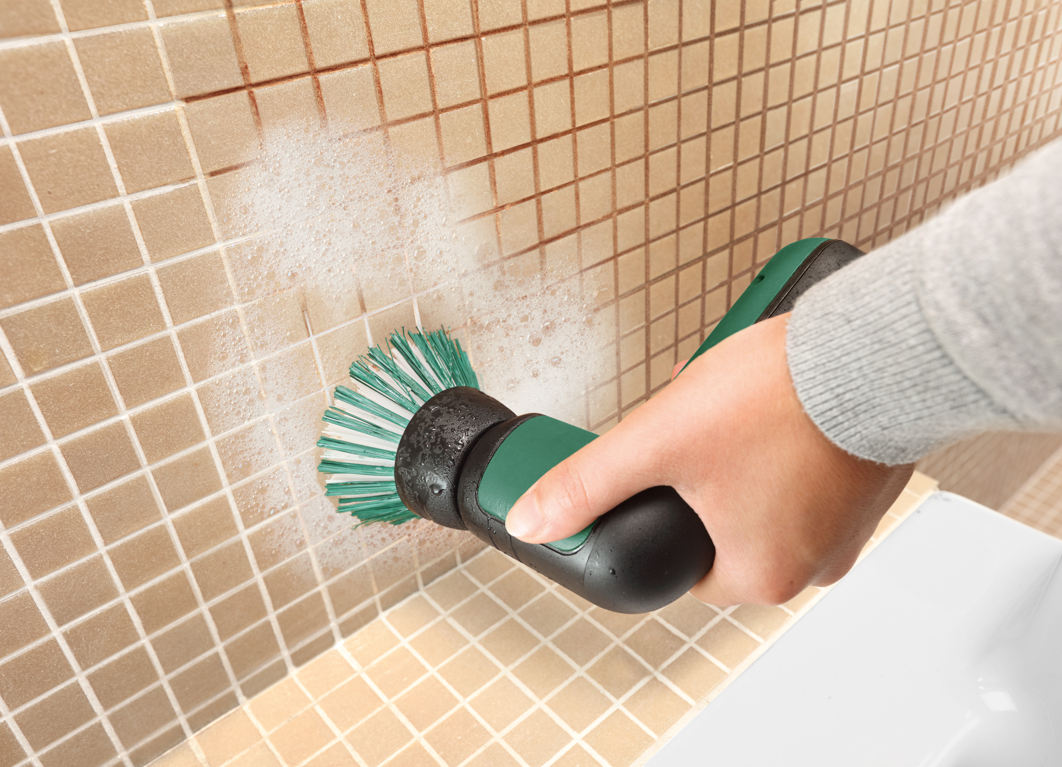 UniversalBrush – various attachments, countless cleaning possibilities: Brush for cleaning of extremely dirty surfaces