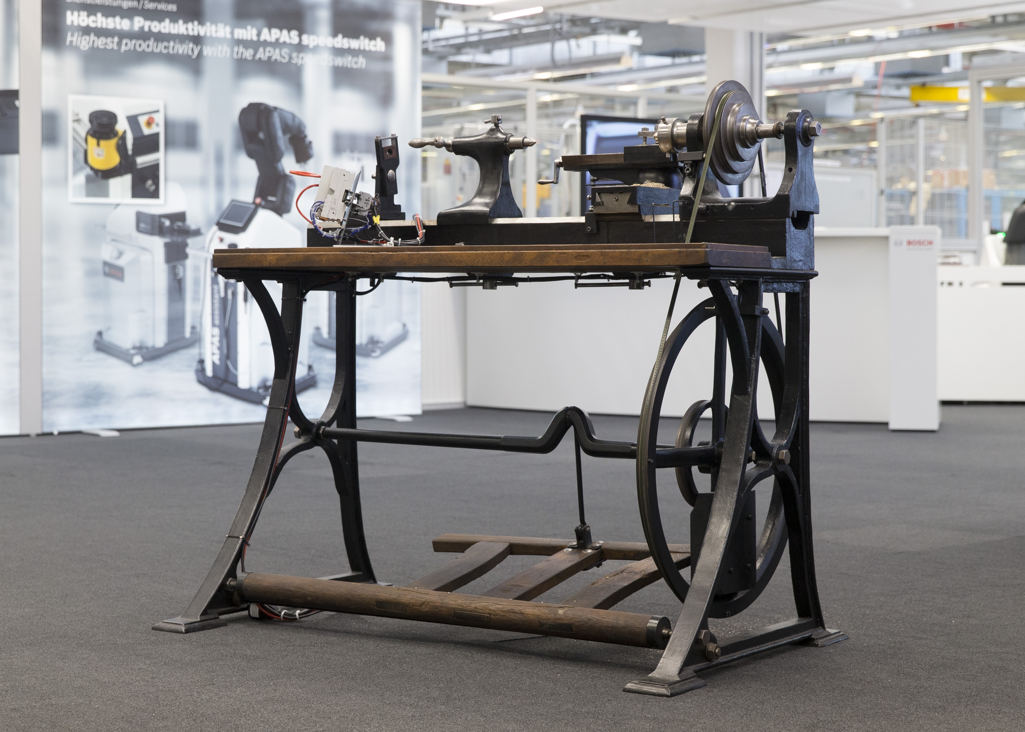 Old lathe from Robert Bosch