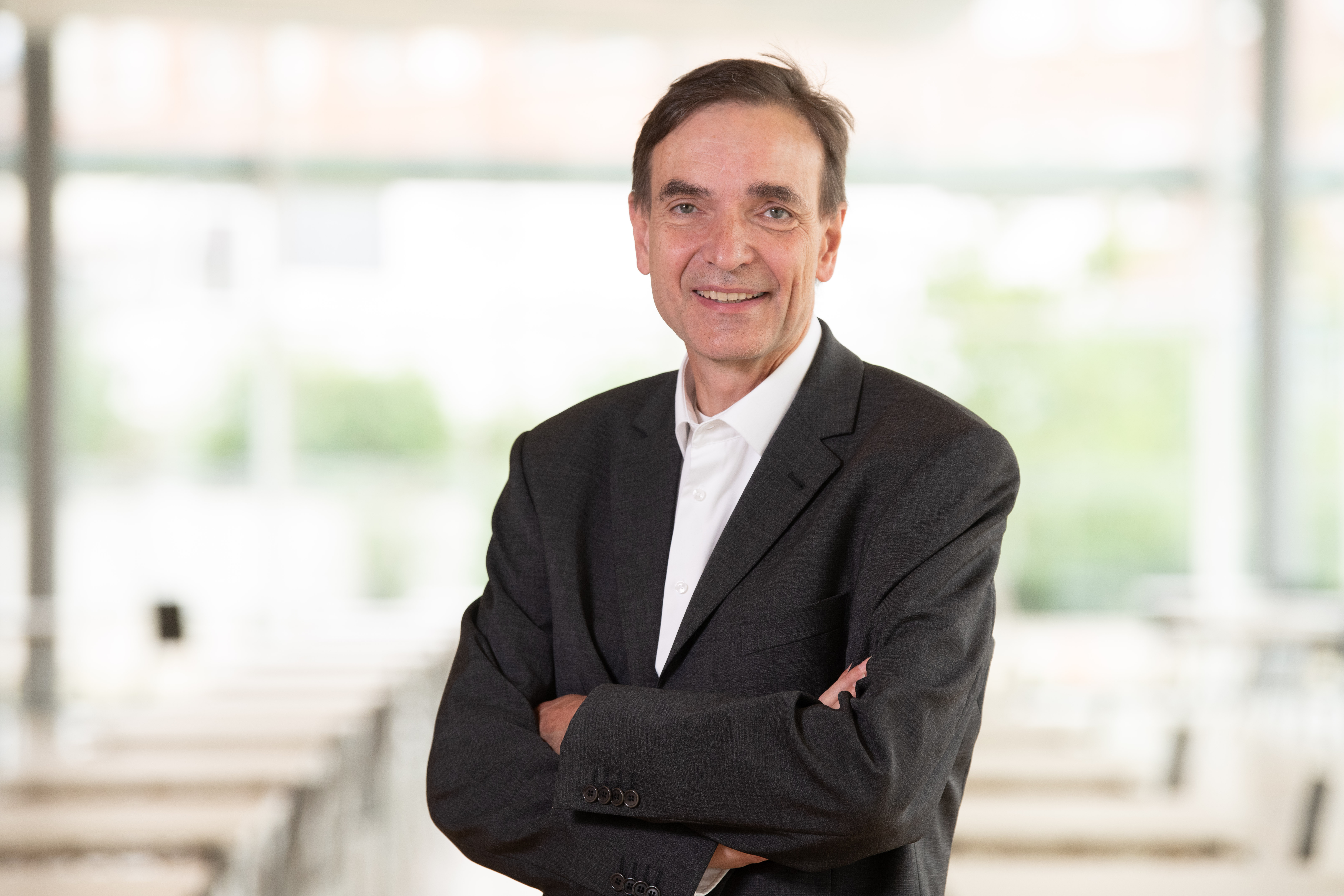 Dr. Falko Papenfuss