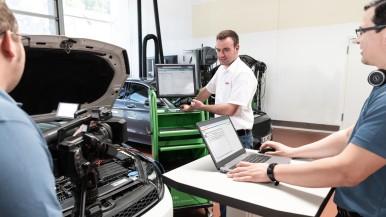 Bosch unterstützt Werkstätten bei kniffligen Diagnosefällen mit einem neuen Fern ...
