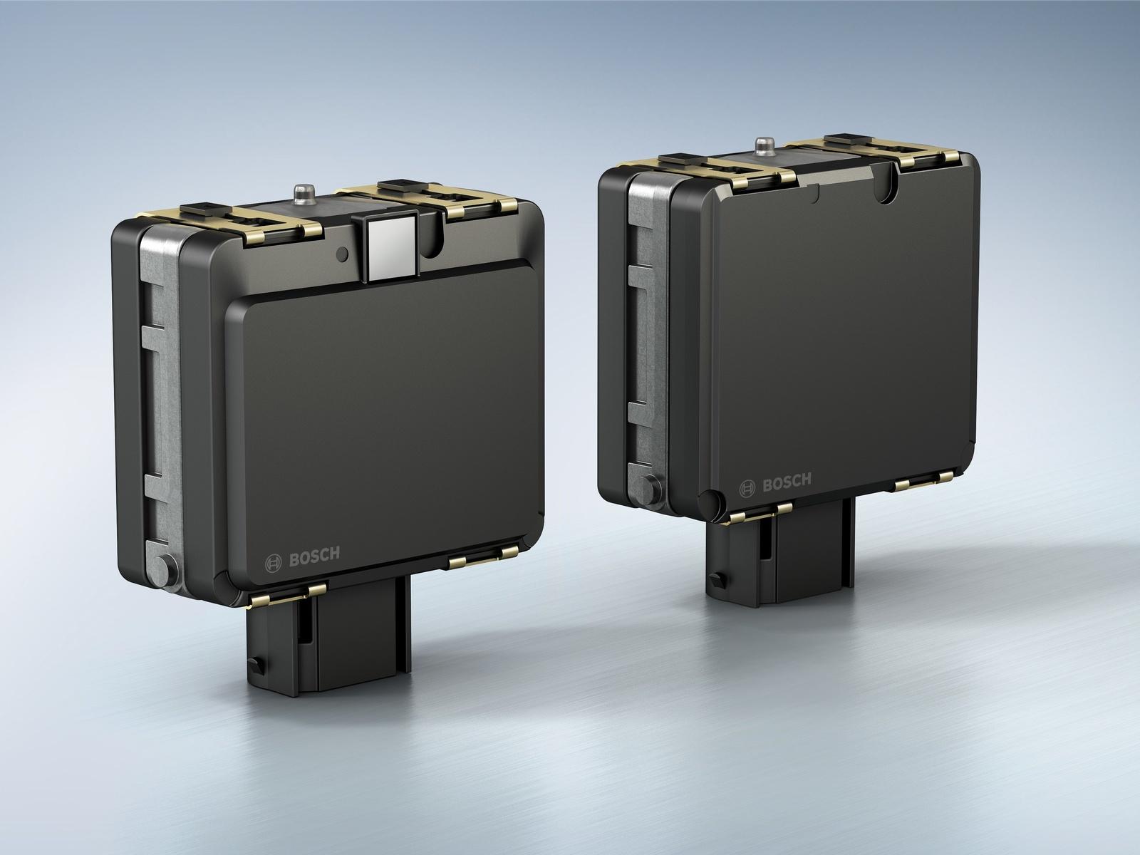 Rear-mounted version of the mid-range radar sensor (MRR rear)