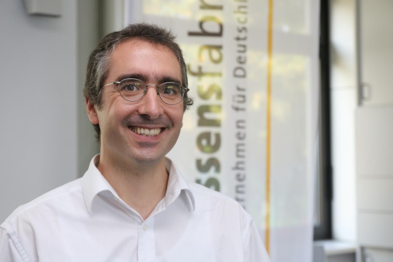 Dr. Carsten Schwender