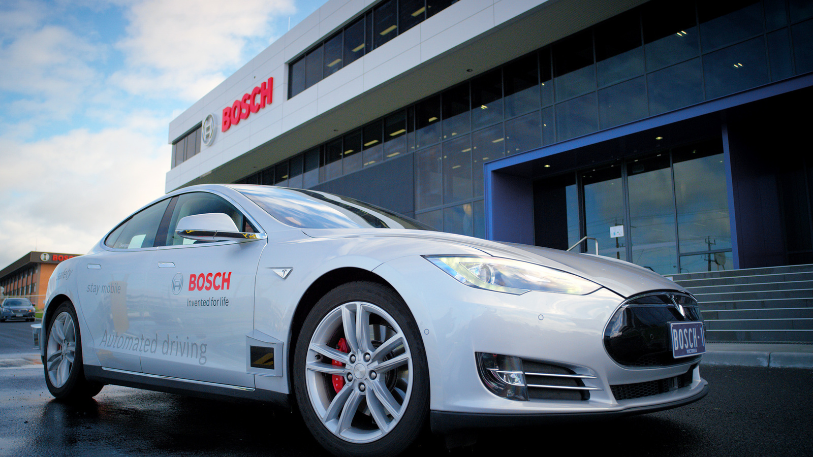 New Bosch development vehicle for highly automated driving