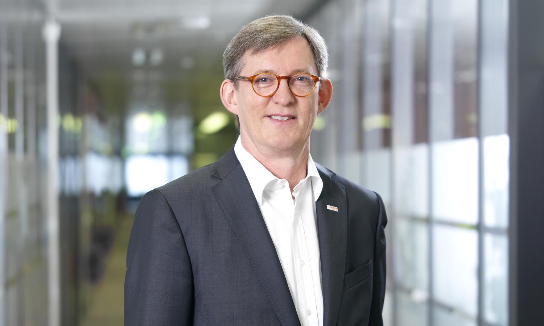 Dr. Uwe Thomas