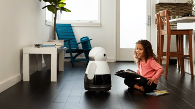 World premiere at CES 2017: Bosch start-up presents home robot Kuri
