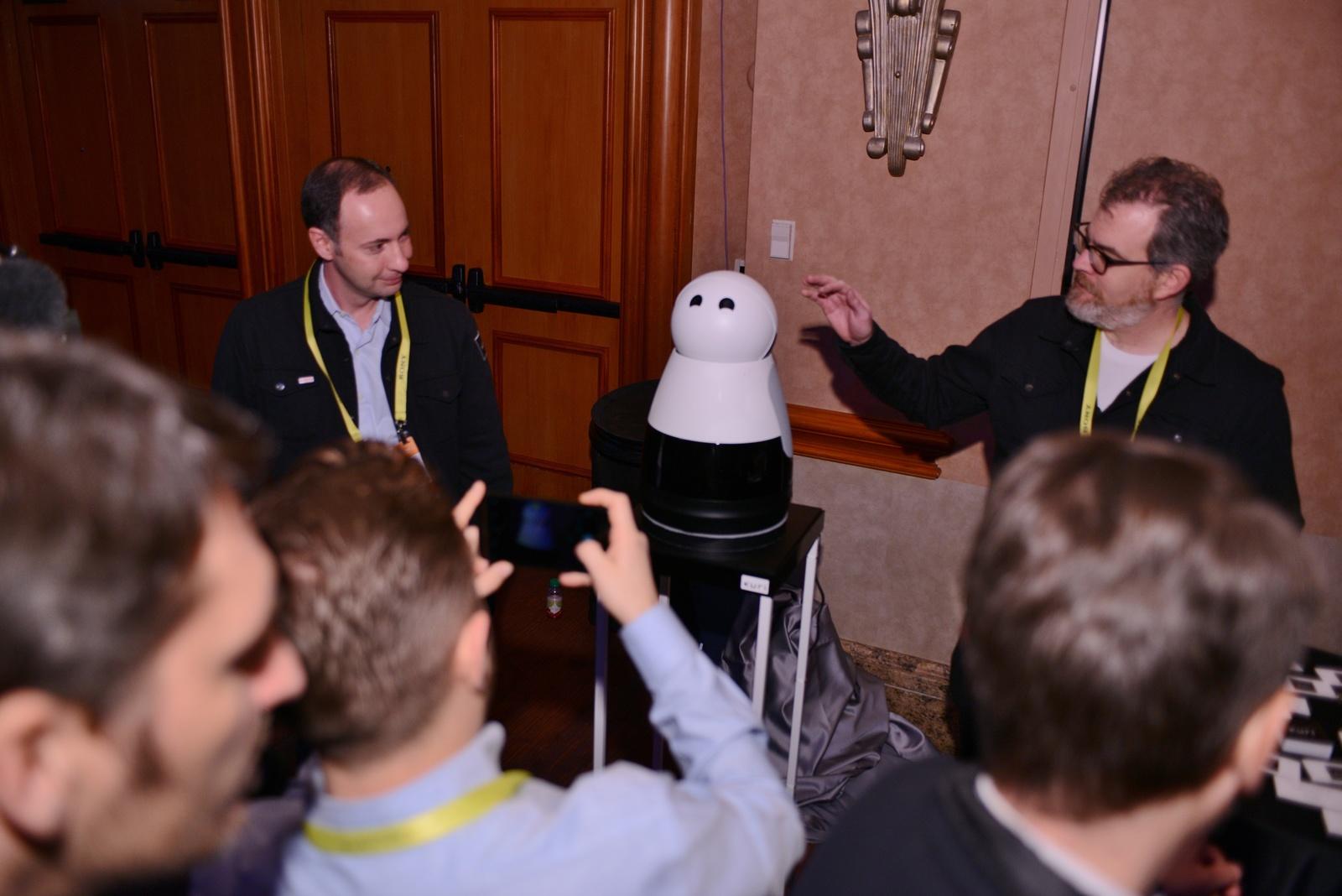 CES 2017: Bosch-Startup Mayfield Robotics präsentiert Heimroboter Kuri