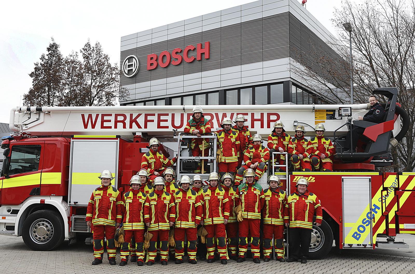 Plant fire service, the beginning: 40 men, one ladder, one fire hose cart