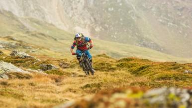 Mountainbiken mit elektrischem Rückenwind