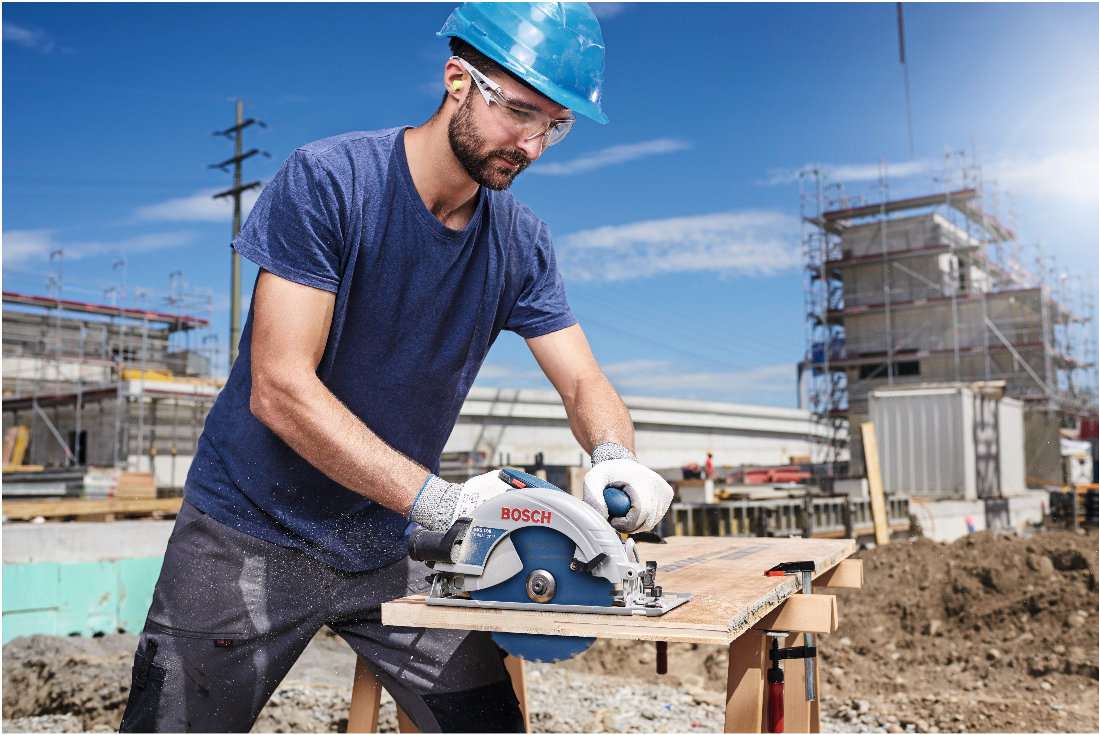 "High cutting performance thanks to carbide technology: Bosch ""Expert for"" circular saw blades for professionals"