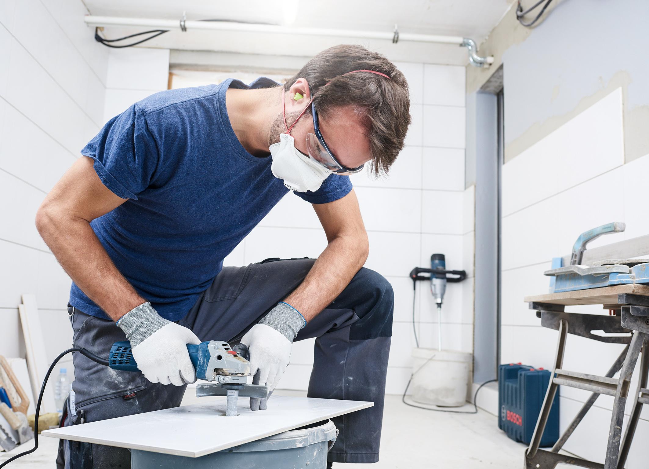 """Eignet sich für alle gängigen Winkelschleifer:  der Fingerfräser """"Best for Ceramic"""" von Bosch für Profis"""