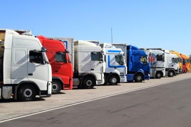Bosch Secure Truck Parking: Leerstehende Parkflächen können bequem vorab online reserviert werden.