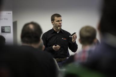 Fachberater von Bosch eBike Systems bringen Händler auf den aktuellen Stand; nützliche Expertentipps zur Digitalisierung inklusive.