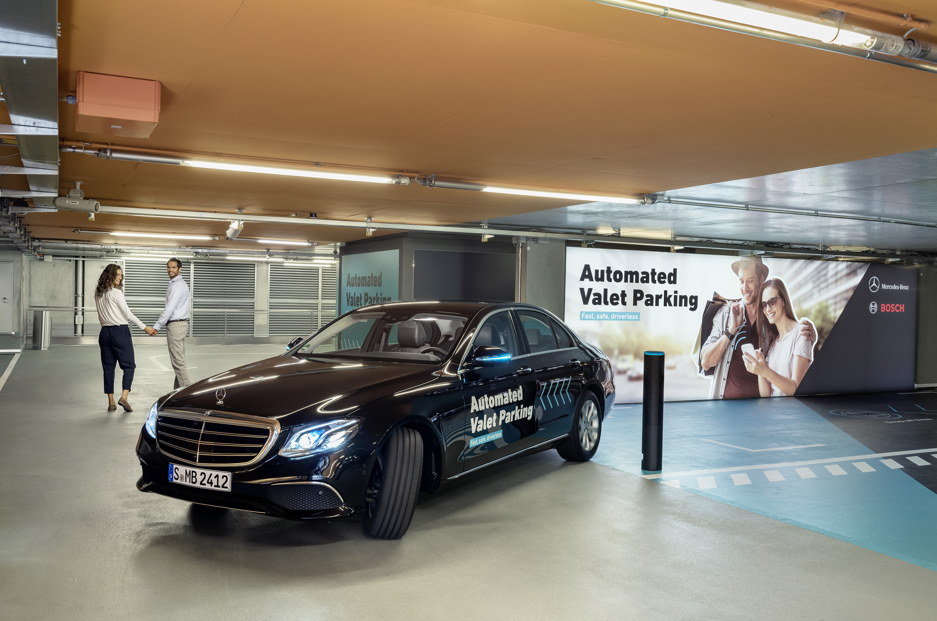 Automated Valet Parking im Parkhaus des Mercedes-Benz Museums in Stuttgart