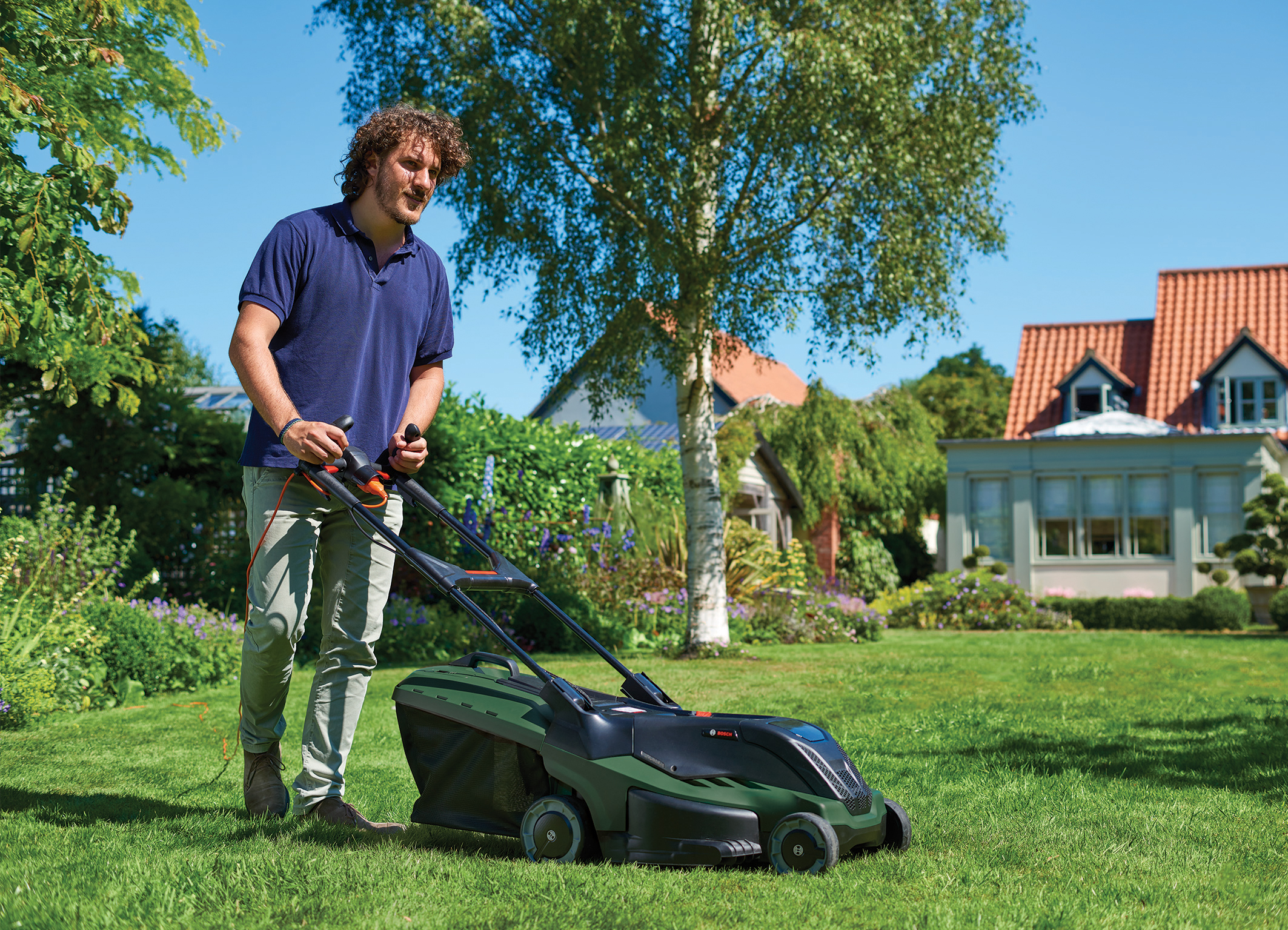 Stress-free lawn care with Bosch ProSilence: The new Rotak series from Bosch