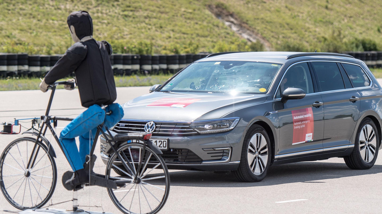 Automatické núdzové brzdenia s detekciou cyklistov
