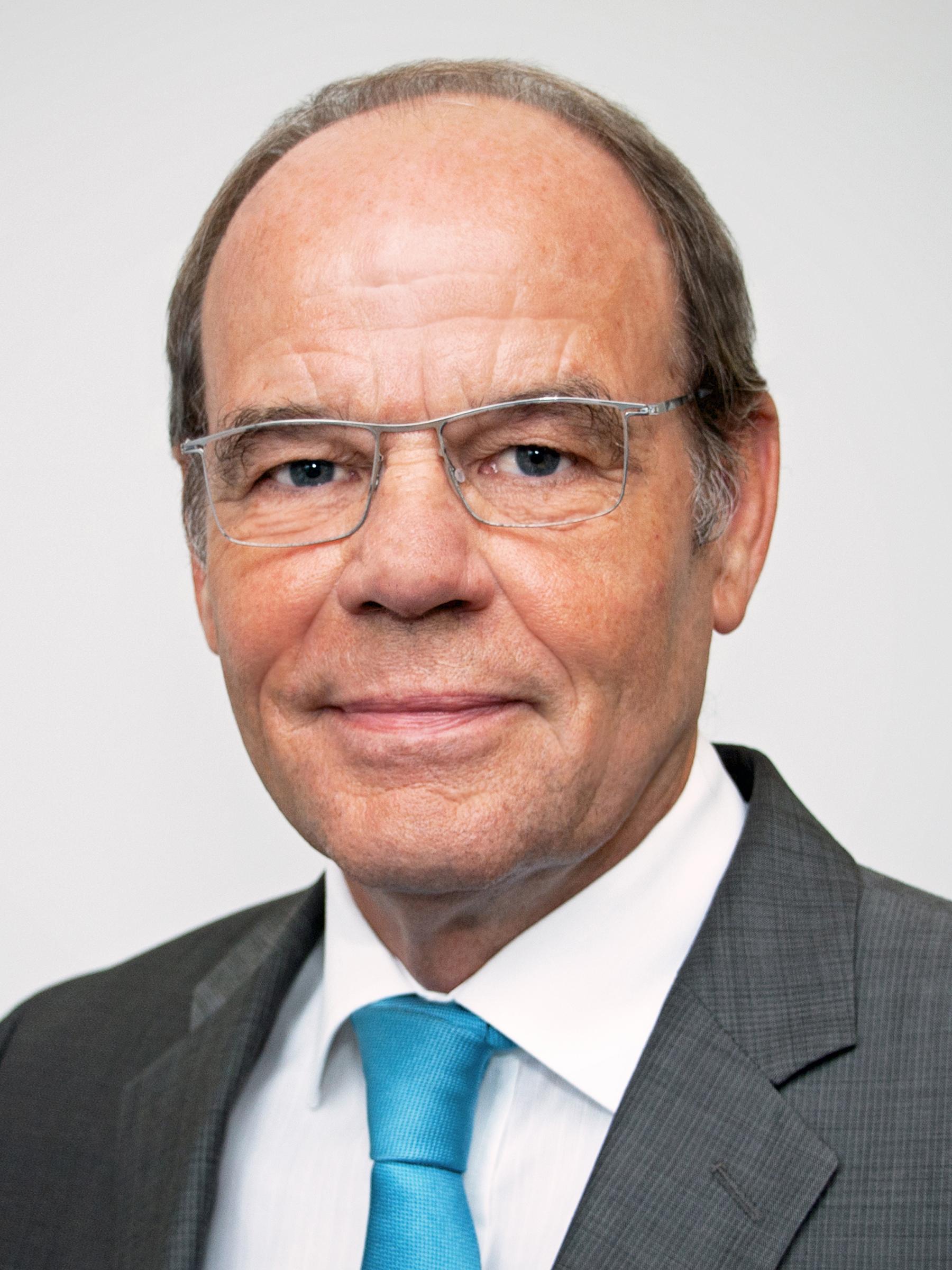 Dr. Peter Biesenbach