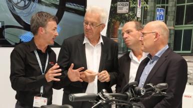 Ministerpräsident Kretschmann und Verkehrsminister Hermann besuchen Bosch eBike Systems auf der Eurobike