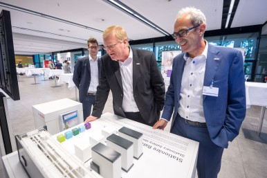 Dr. Stefan Hartung at the Bosch Energy and Building Technology press briefing 2017