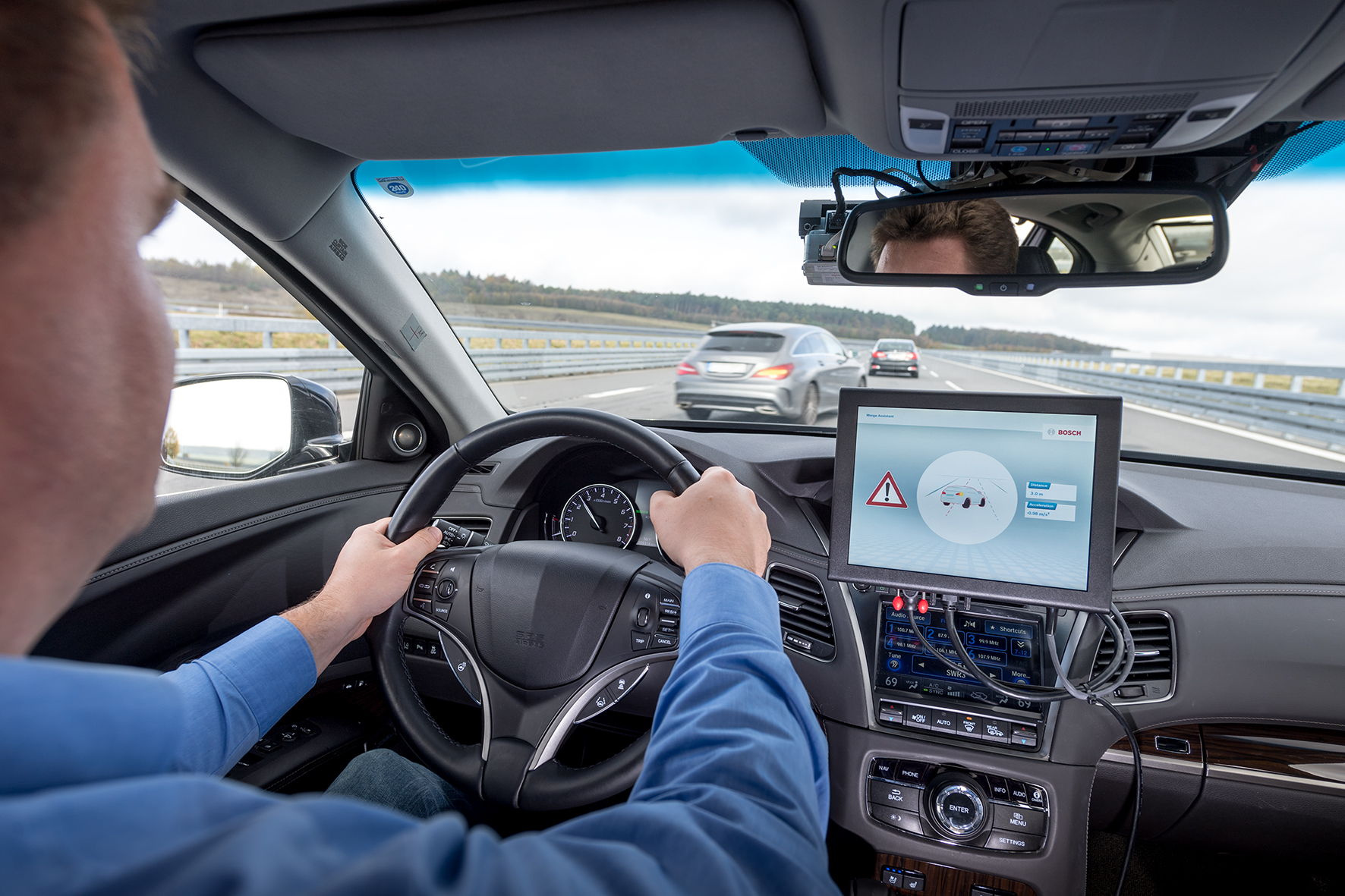 Successful tests: Cellular-V2X improves driver assistance systems