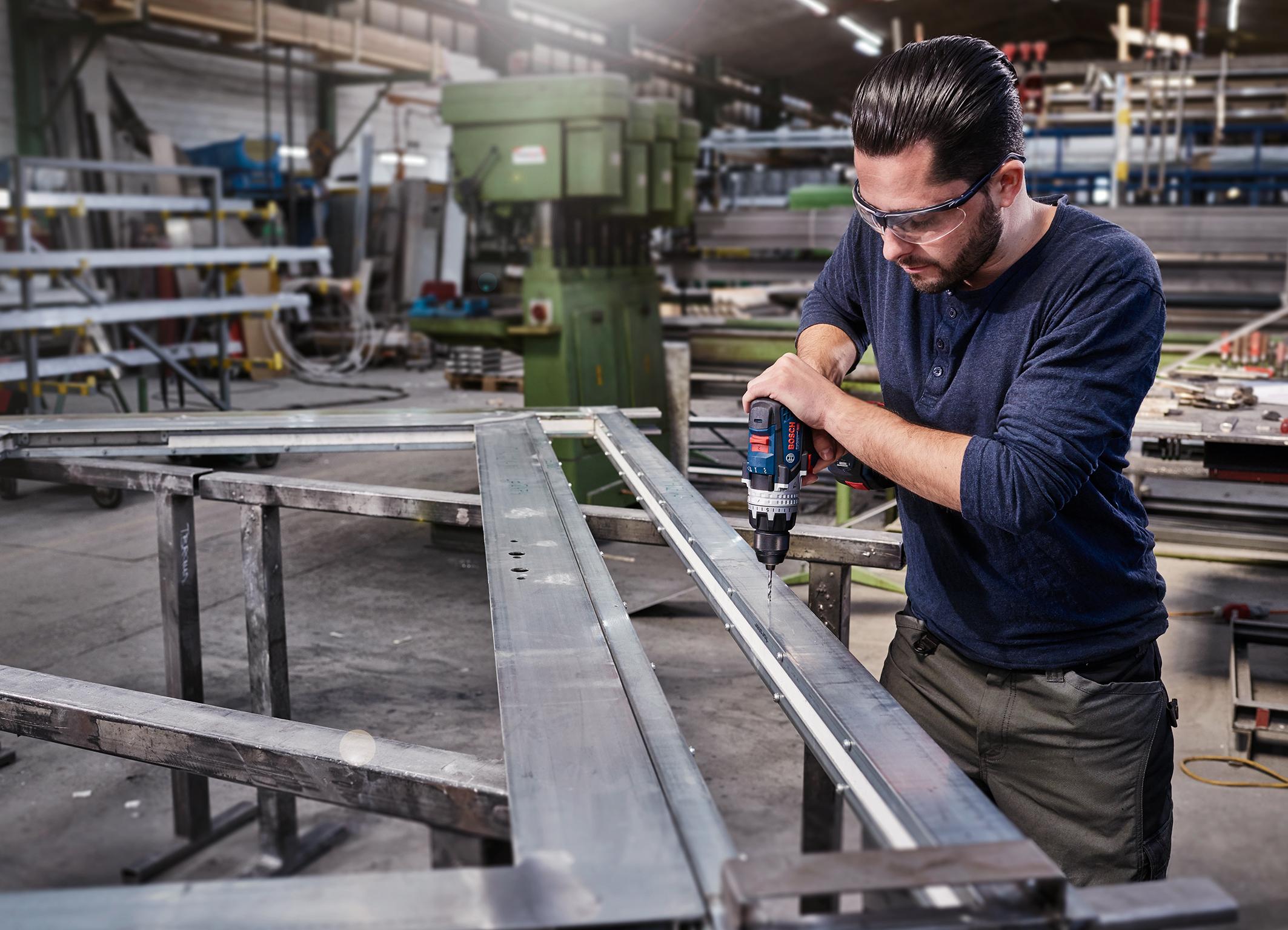 """Gesteigerte Produktivität und Lebensdauer durch geringen Verschleiß: Metallbohrer """"HSS PointTeQ"""" von Bosch für Profis"""