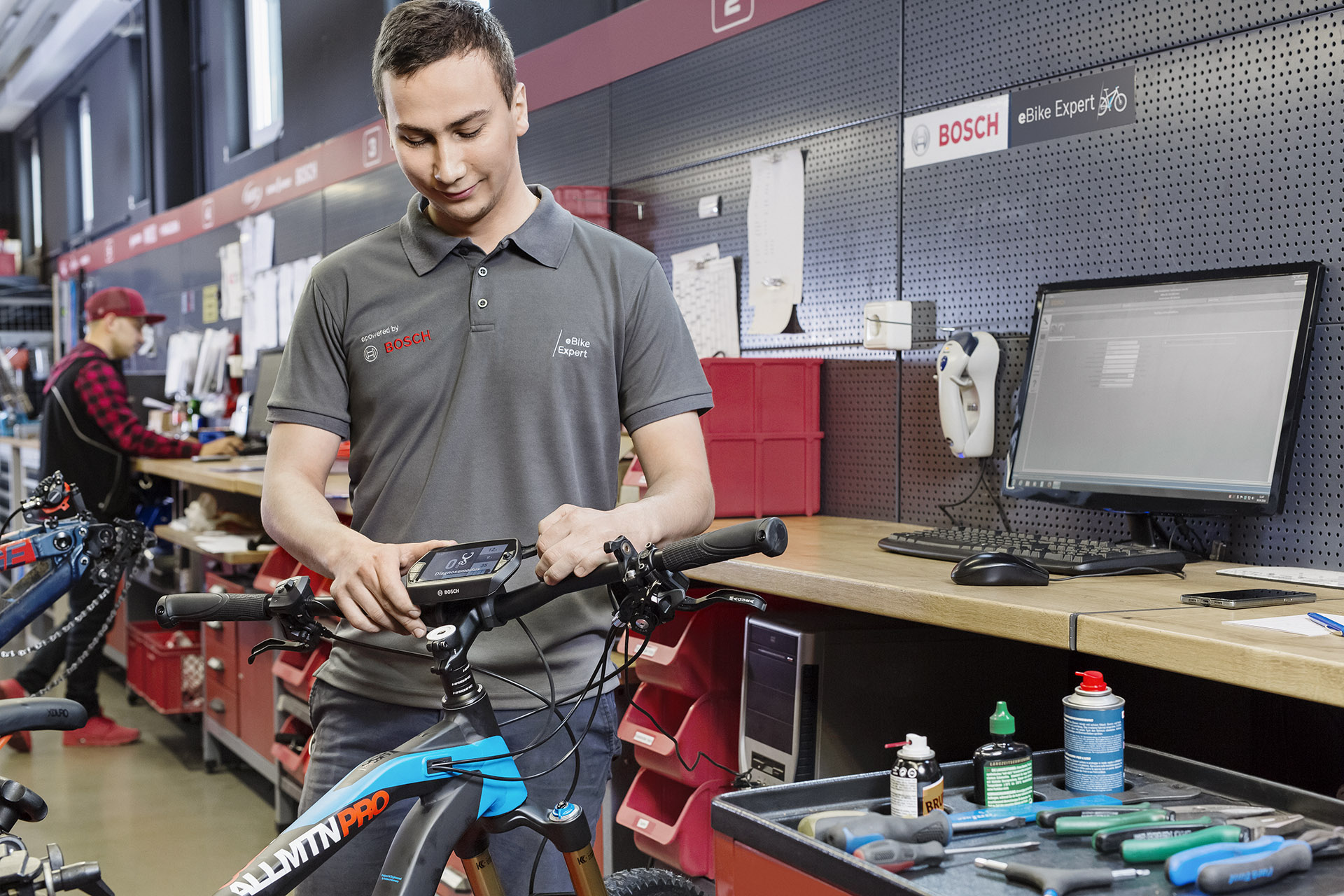 2017 2018 training tour bosch ebike systems brings dealers up to date bosch media service. Black Bedroom Furniture Sets. Home Design Ideas