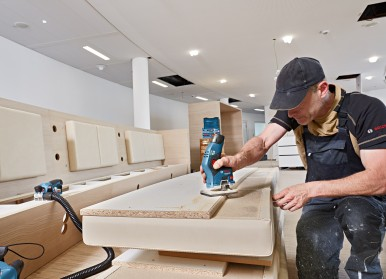 Convenient and compact for optimal control: the GKF 12V-8 Professional from Bosch