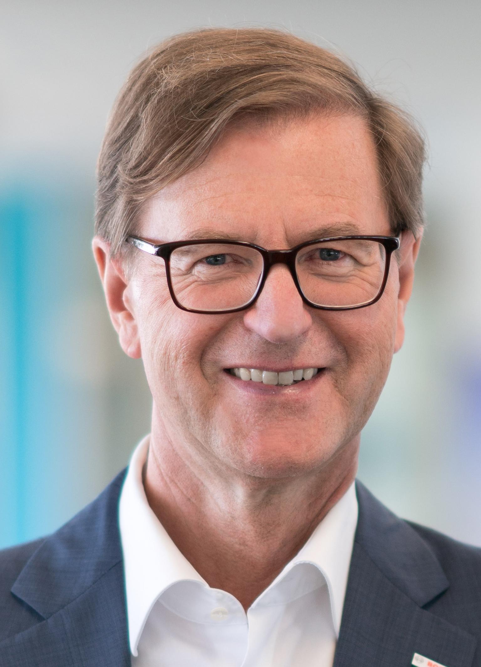 Dr. rer. pol. Stefan Asenkerschbaumer