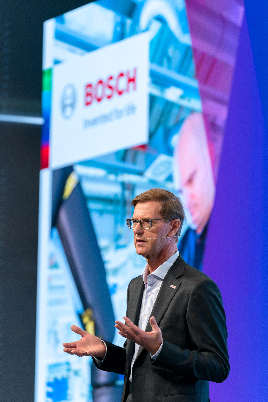 Annual press conference 2018: Prof. Stefan Asenkerschbaumer