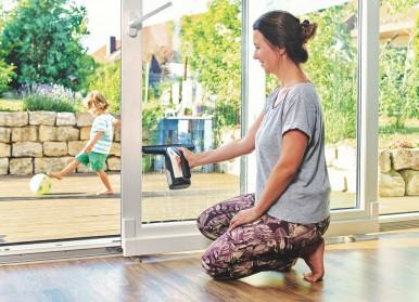 Bosch lance GlassVAC, un nettoyeur de vitres avec une technologie d'essuie-glace provenant de l'industrie automobile