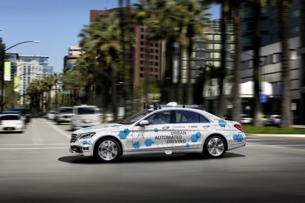 Autonome carpooldienst van Bosch en Daimler