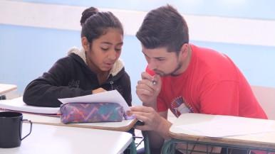 Reforço Escolar: voluntários da Bosch dão aulas para alunos do ensino Médio e Fundamental