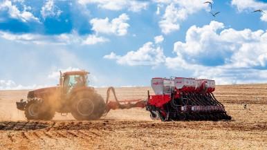 Uma solução, quatro funções: graças à solução inteligente de plantio e fertiliza ...