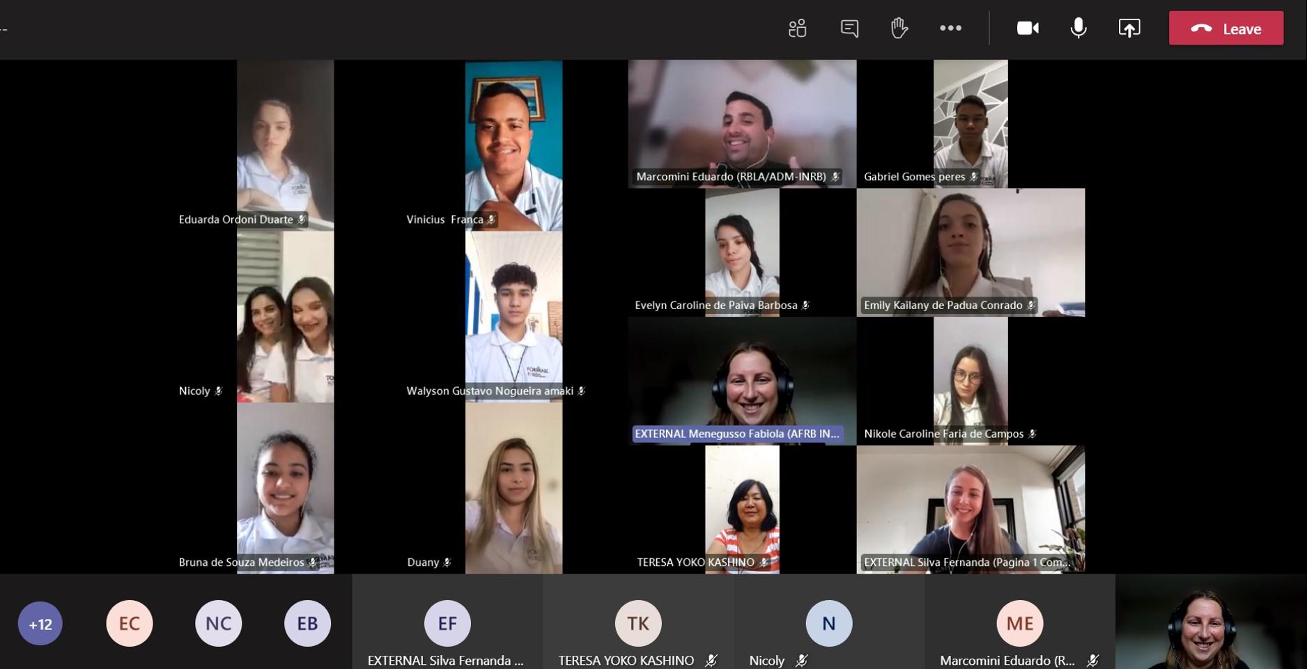 Colaboradores voluntários da Bosch compatilham suas experiências profissionais com jovens durante o Ciclo de profissões