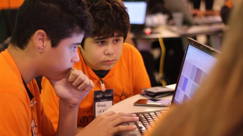 Raul Carlesse e Marcos Mateus Garrido estão entre os 5 melhores do mundo no Space Apps Challenge da NASA