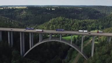 Caminhões conectados e casas inteligentes graças às soluções Bosch