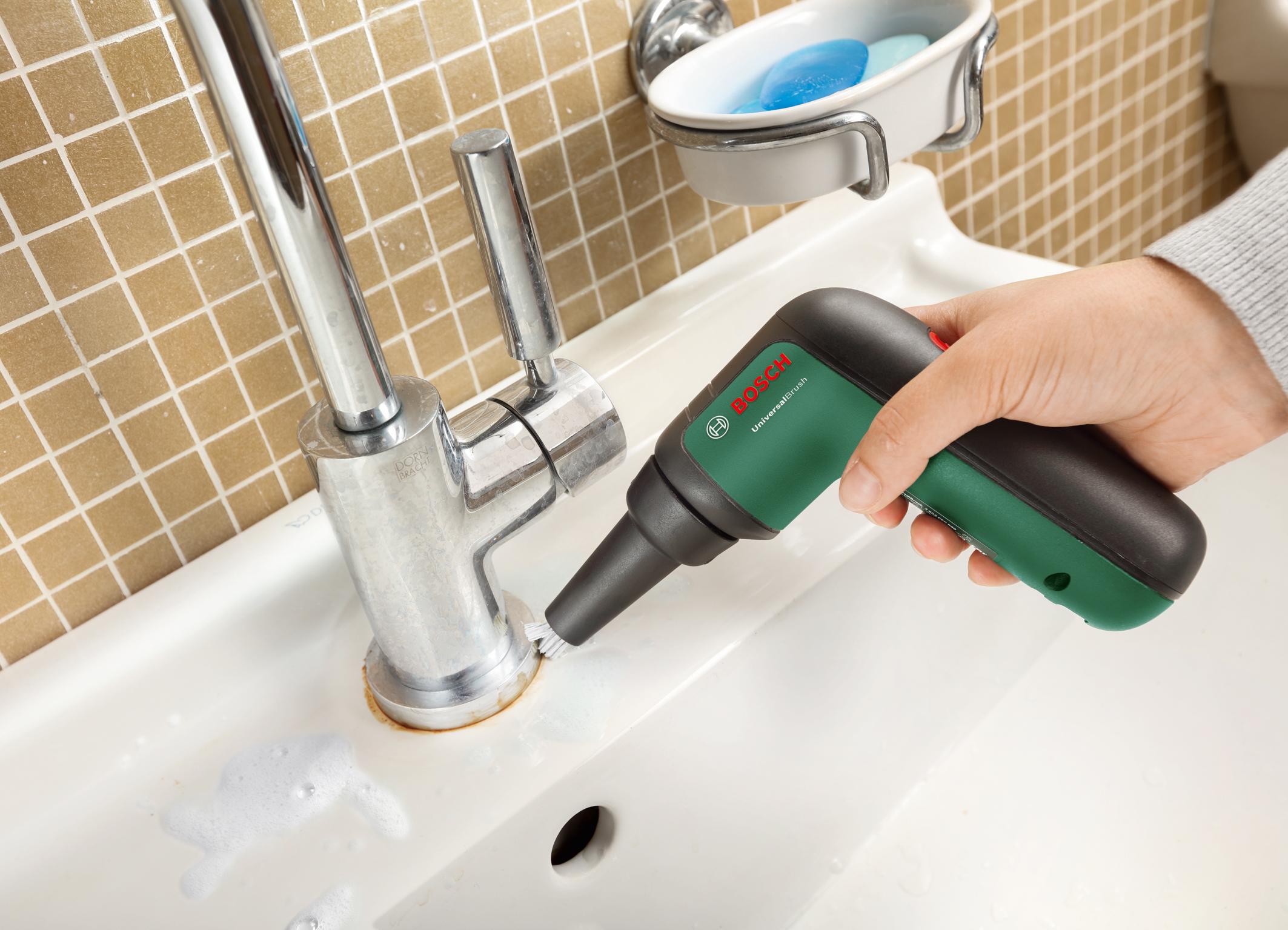 UniversalBrush - rôzne nadstavce, nespočetné možnosti čistenia: Kefa pre presné čistenie ťažko prístupných oblastí