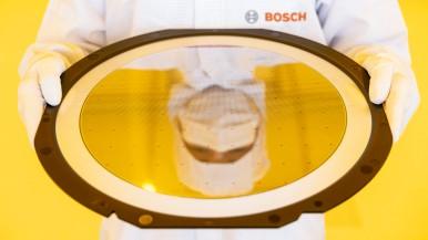 """CEO společnosti Bosch Denner: """"Naším prvním závodem AIoT definujeme nové standar ..."""