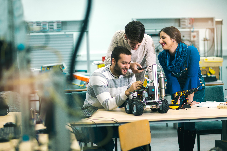 Studenti budou mít příležitost vyzkoušet si práci v týmu a zároveň vytvořit něco unikátního.