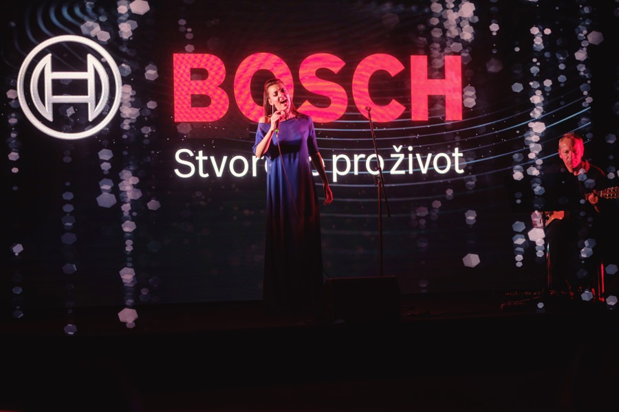 Program pro hosty zpestřila svým vystoupením přední česká zpěvačka a muzikálová hvězda Dasha.