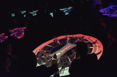 Slavnostní setkání partnerů firmy provázel pestrý kulturní program, skládající se  z v České republice jedinečné 3D holografické show zobrazující průřez důležitých etap závodu v Jihlavě.