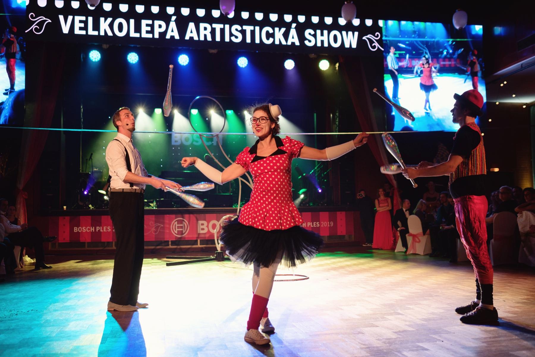 Patnáctý reprezentační ples firmy Bosch Diesel s.r.o. ve stylu cirkusu