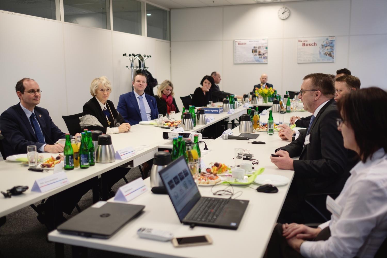 V centru pozornosti stála témata moderní automobilové techniky, aplikace Průmyslu 4.0 či přínos závodu Jihlava pro výrobní kapacity Bosch Group