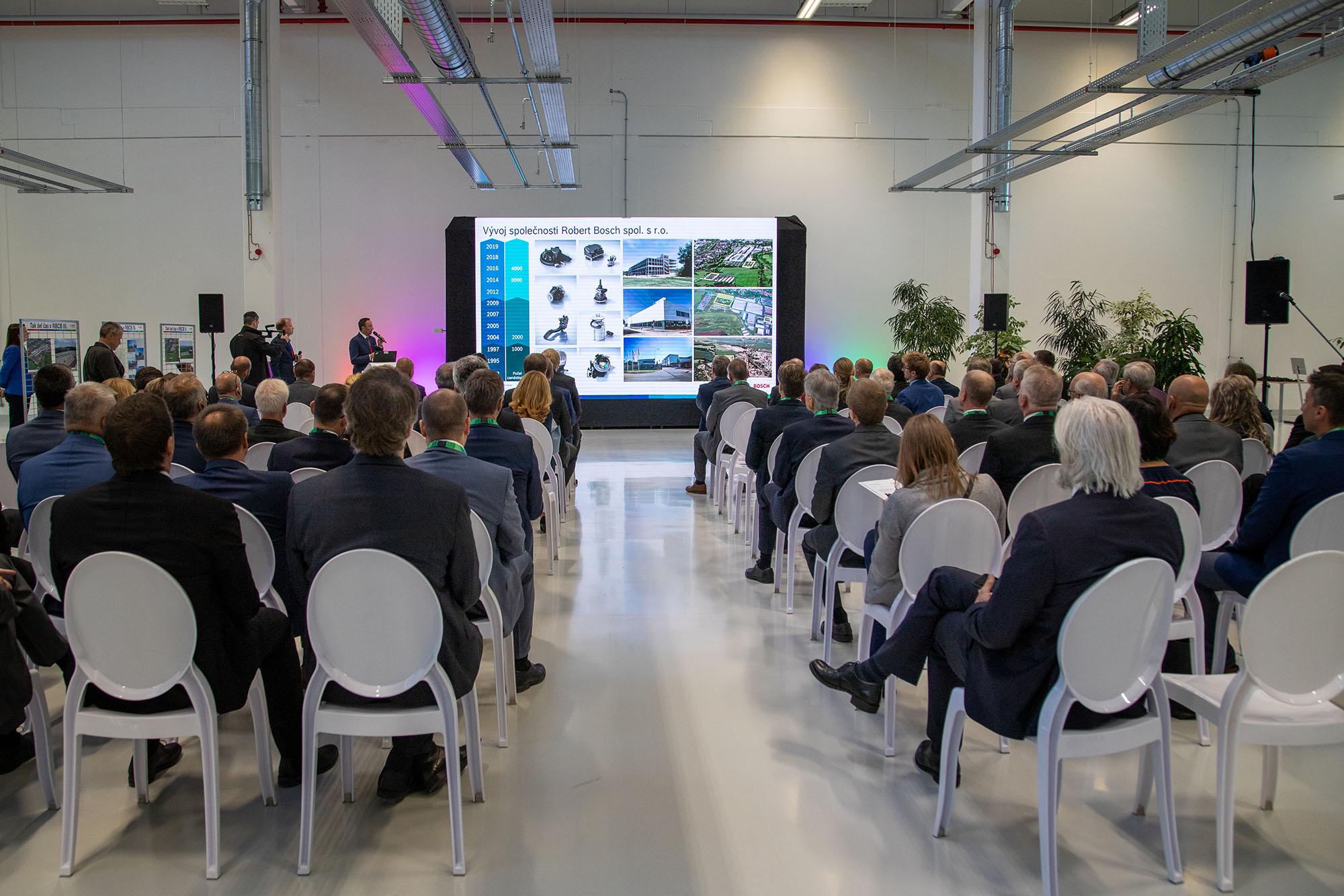 Slavnostní otevření nové budovy vývojového a technologického centra